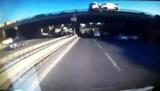 (Özel haber) Beton mikseri köprü üzerinden böyle düştü