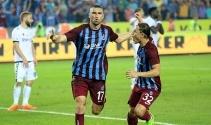 Burak Yılmaz, bordo-mavili forma ile 61. golünü Fenerbahçe'ye attı