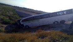 Iğdırda yolcu otobüsü şarampole uçtu