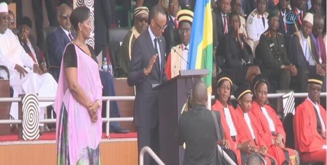 3'üncü kez devlet başkanı seçilen Paul Kagame resmen göreve başladı