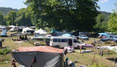 Mevsimlik fındık işçileri kamp alanında konaklıyor