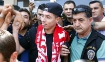 Antalyaspordan Nasriye coşkulu karşılama