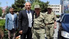 Korgeneral Çetinden Vali Zorluoğluna veda ziyareti