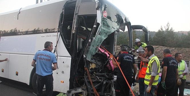 Bolu'da feci kaza: Ölü ve yaralılar var