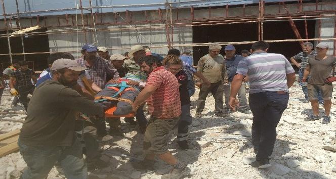 Karaman'da spor salonu inşaatından düşen işçi yaralandı