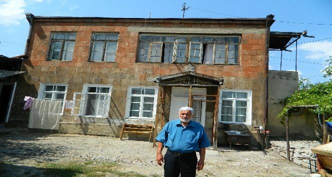 73 yıl önce Sürgüne gönderilen Ahıskalı Emirşahoğlu Ailesinin vatan hasreti sona erdi