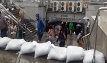 Şiddetli yağmur için alt geçitlerde kum torbalı önlem