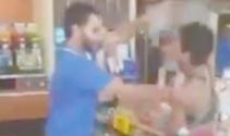 Erkek çalışan ile kadın müşteri birbirine girdi