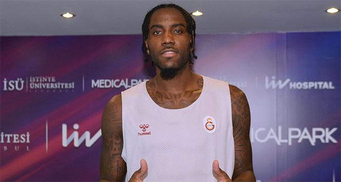 Galatasarayın yeni transferi Christmas, sağlık kontrolünden geçti