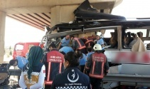 Ankara-Eskişehir karayolunda yolcu otobüsü kaza yaptı