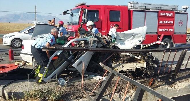 Otomobil köprü korkuluklarına çarptı: 1 ölü, 1 yaralı