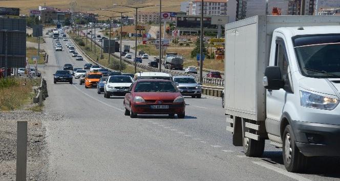 Bayram trafiği Kırıkkale'de erken başladı