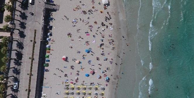 Çeşme plajları rengarenk