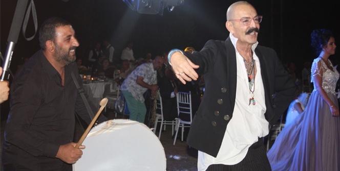Cemil İpekçi, Azra Akın'ın düğününde döktürdü