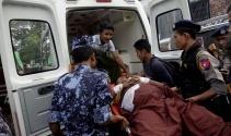 Binlerce Rohingyalı Müslüman, Bangladeş sınırında bekliyor