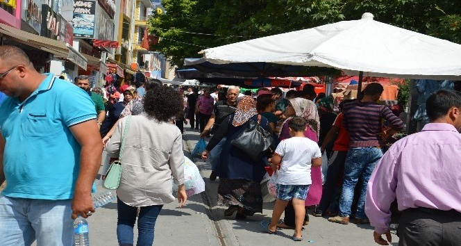 Kırıkkale'de bayram alışverişi telaşı