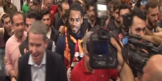 Denayer, İstanbul'a geldi