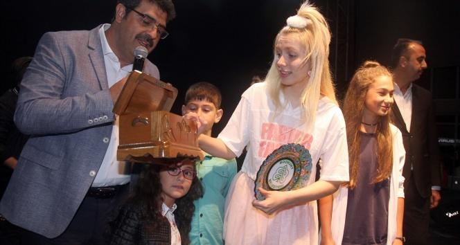 Aleyna Tilki Kastamonuluları coşturdu