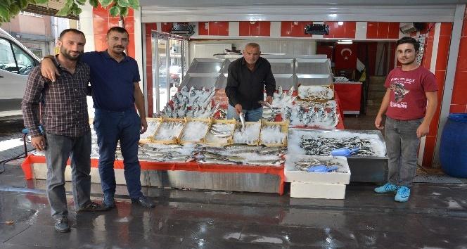 Kırıkkaleli balık satıcıları yeni sezondan umutlu