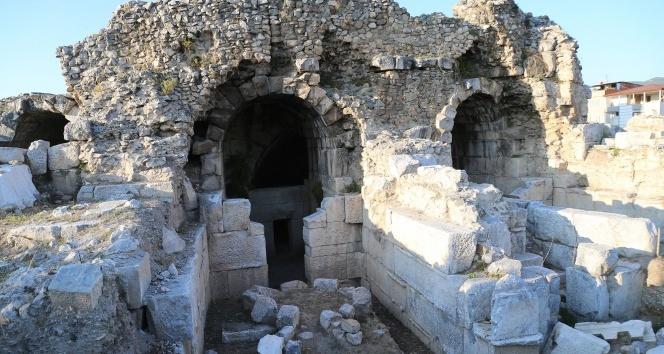 Antik tiyatro eski kimliğine kavuşuyor