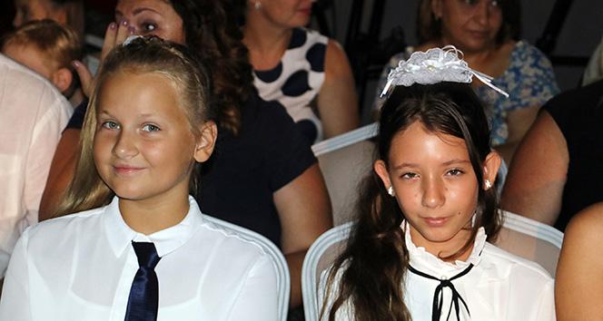 Türkiyedeki Rus çocuklar için ders zili çaldı