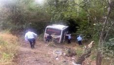 Amasyada midibüs şarampole uçtu: 26 yaralı