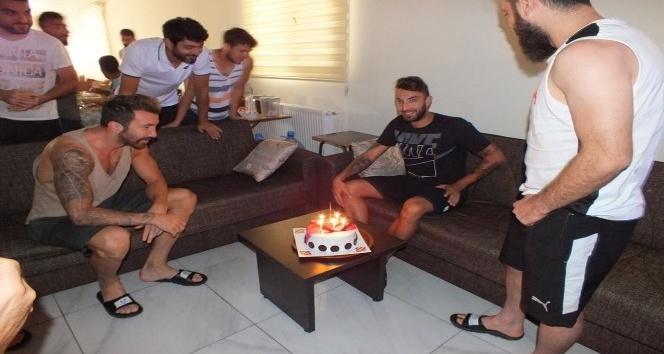 Diyarbekirspor'da sürpriz doğum günü kutlaması