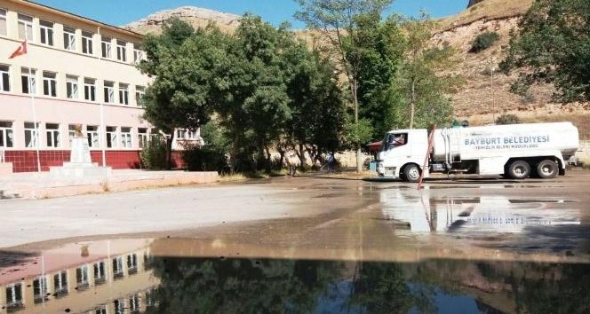 Yeni eğitim öğretim yılı öncesi okullarda temizlik çalışması başladı