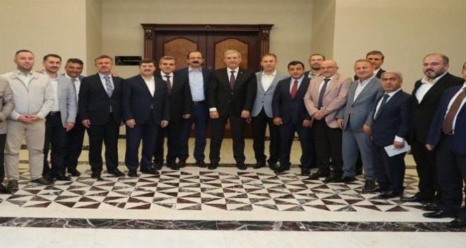 Dündar, Mardin'in sağlık sorunlarını görüştü