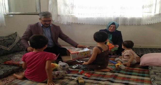 AK Parti'den yoksul ailelere yardım