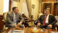 Rusya Federasyonu Trabzon Başkonsolosu Valery Tikhonov, Rize Valisi Erdoğan Bektaşı makamında ziyaret etti