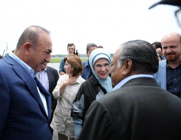 Dışişleri Bakanı Çavuşoğlu ve Emine Erdoğan Kutupalon Mülteci Kampı'nda
