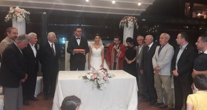 Trabzonspor eski başkanları düğünde bir araya geldi