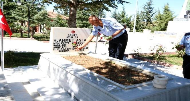 Yozgat'ta zabıta ekiplerinden şehitliğe ziyaret