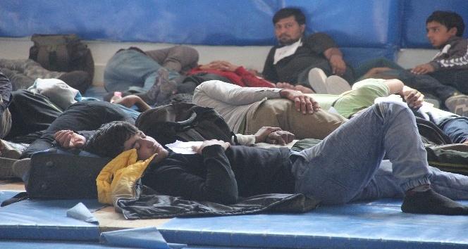 Bolu'da 94 kaçak yolcu yakalandı