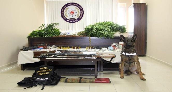 Evinde uyuşturucu üreten şahıs tutuklandı