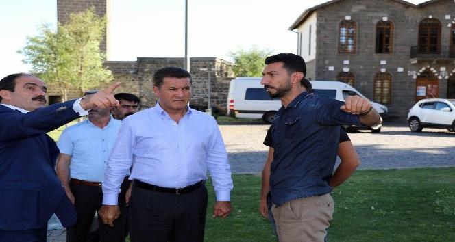 Mustafa Sarıgül, Akşener'in partisine katılacağı iddialarına cevap verdi
