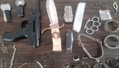 Barış Akarsunun çalınan eşyaları soyguncunun ailesi tarafından Amasraya getirildi