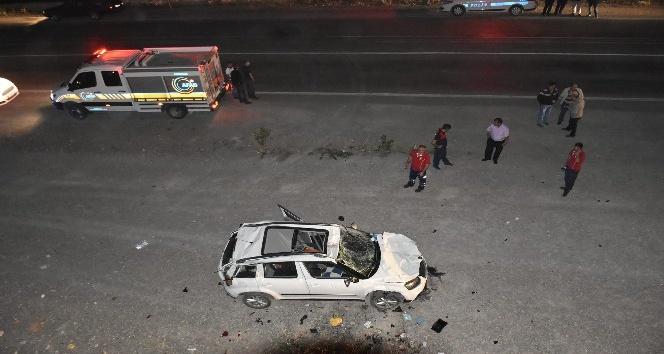 Otomobil 20 metrelik duvardan düştü: 1 ölü