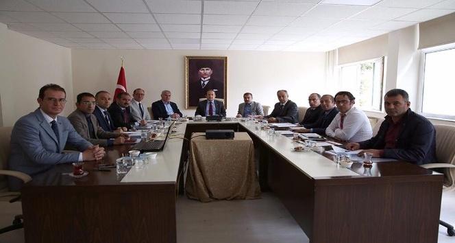 Bayburt'ta devam eden Karayolları ve Devlet Su İşleri yatırımları masaya yatırıldı