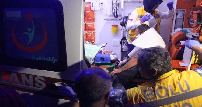 Direksiyon hakimiyetini kaybeden sürücü su kanalına uçtu: 2 yaralı