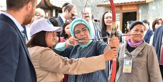 Emine Erdoğan oktaki maharetlerini sergiledi