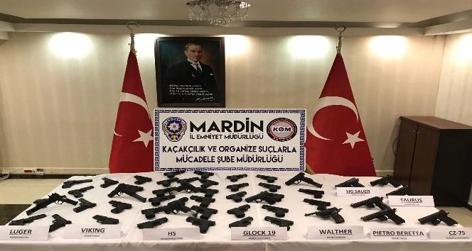 PKK'nın Irak'tan gönderdiği suikast silahları Kızıltepe'de ele geçirildi