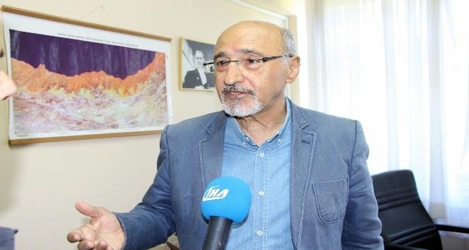"""Jeoloji Mühendisi Prof. Dr. Bektaş: """"Önümüzdeki iki yıl deprem açısından dünya ve Türkiye için kritik"""""""