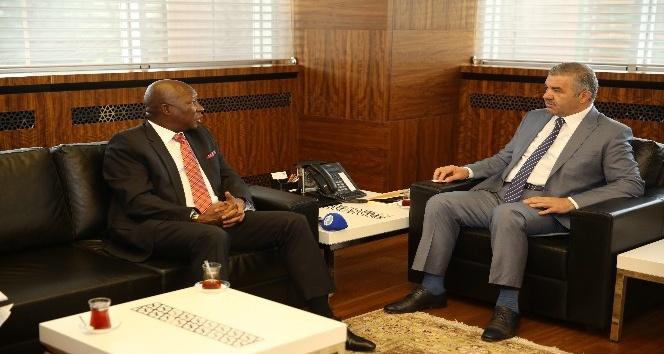 Güney Afrika Büyükelçisi, Başkan Çelik'i ziyaret etti