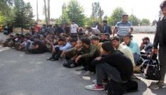 Boluda 121 kaçak göçmen yakalandı
