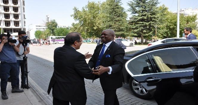Ruanda Ankara Büyükelçisi Williams Nkurinziza'nın Uşak ziyareti