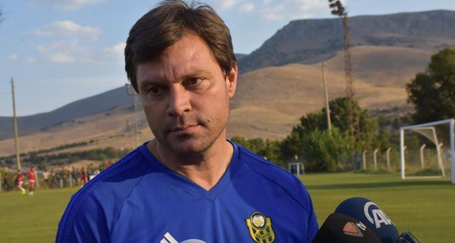 Yeni Malatyaspor Teknik Direktörü Ertuğrul Sağlam görevinden istifa etti