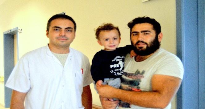 Boğazına fıstık kabuğu kaçan çocuk kurtarıldı