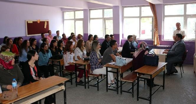Ağrı Milli Eğitim Müdürü Turan Mesleki Çalışma Seminerlerini denetledi